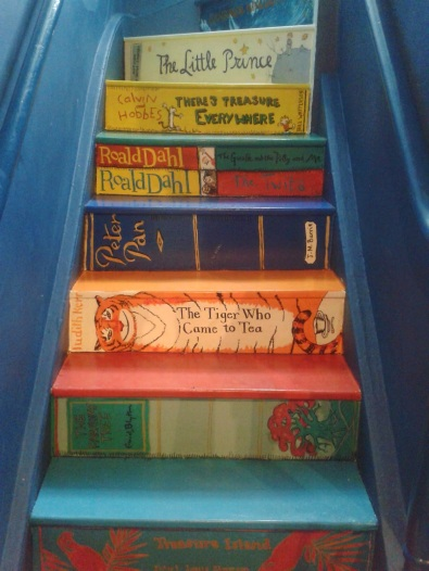 book stairs tiger