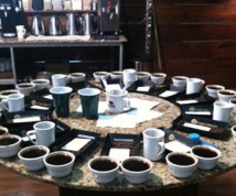 Madcap-Coffee-table-of-cups