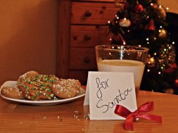 cookies_and_milk_for_santa_by_yo04-d4k66mm
